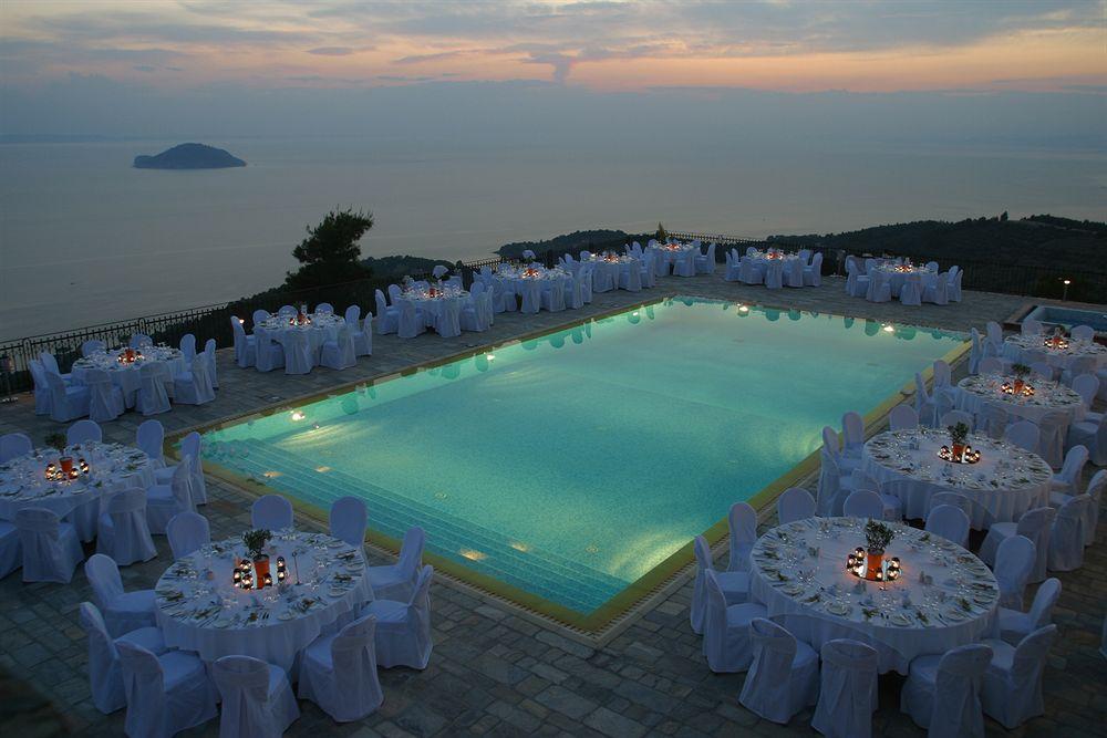 Апартаменты в остров Порто-Каррас на берегу моря цены