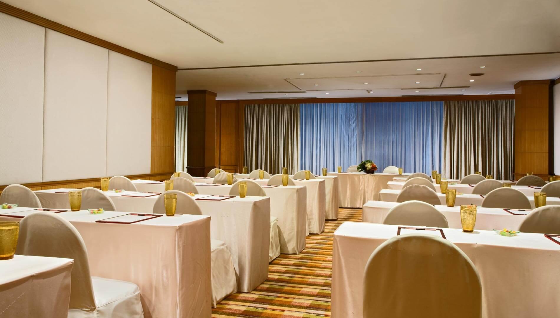 Image result for โรงแรมอมารี บูเลอวาร์ด แบงค์คอก ห้อประชุม